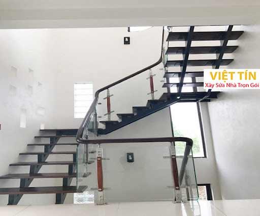 mẫu 10 cầu thang sắt xương cá đẹp