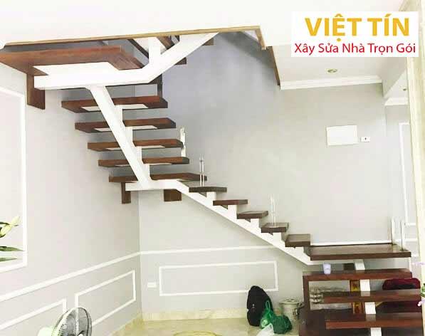 mẫu 15 cầu thang sắt ziczac đơn bậc gỗ