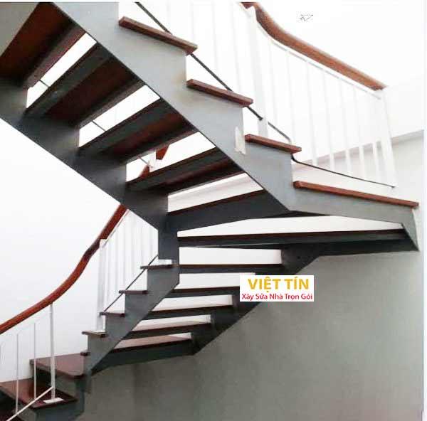 mẫu 18 cầu thang sắt hình ziczac