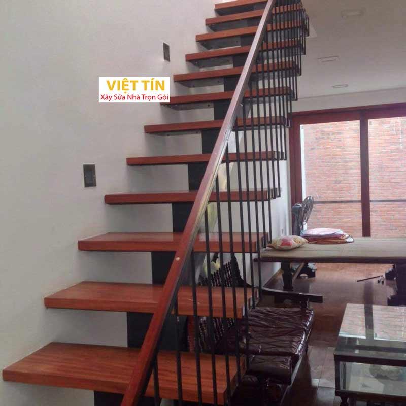 mẫu 24 cầu thang sắt hình ziczac