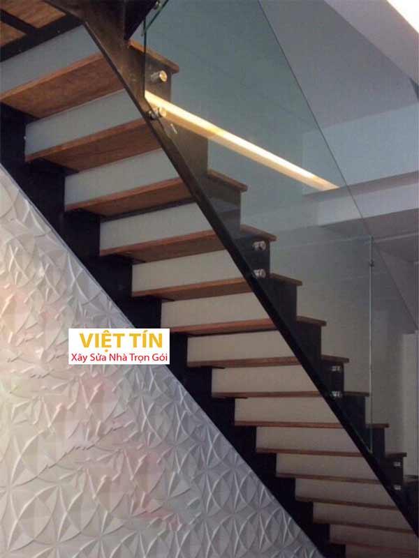 mẫu 7 cầu thang sắt hình ziczac