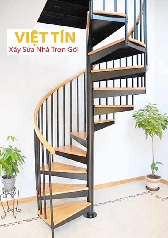 mẫu số 32 cầu thang hình xoắn ốc