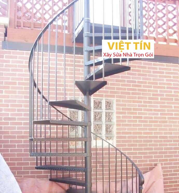 mẫu số 40 cầu thang hình xoắn ốc