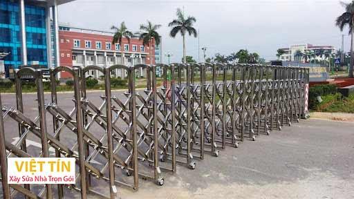 mẫu cổng inox xếp tự động