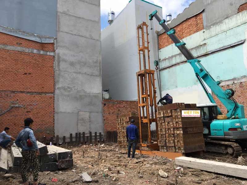 Để quá trình thi công ép cọc bê tông có hiệu quả cần tiến hành khảo sát kỹ địa hình