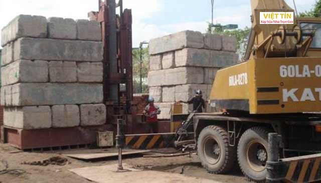 Ép cọc bằng máy tải là lựa chọn phù hợp với các các công trình có tải trọng lớn