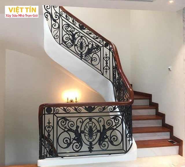 Vẻ đẹp của cầu thang sắt nghệ thuật nhờ những họa tiết trang trí độc đáo