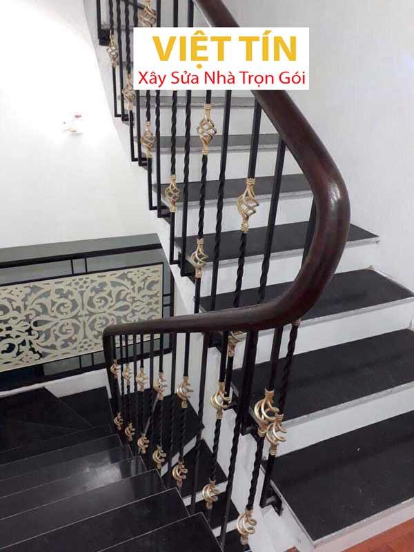 mẫu 10 cầu thang sắt mỹ thuật đẹp