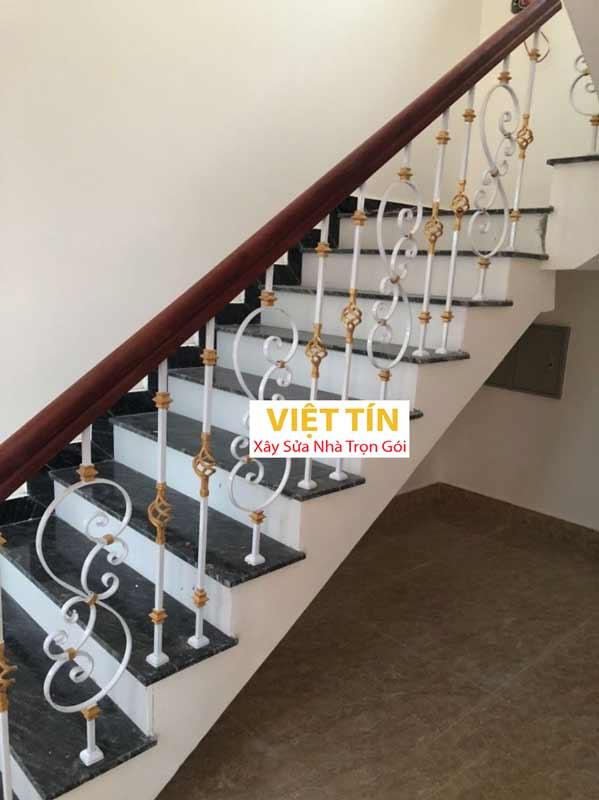 mẫu 17 cầu thang sắt mỹ thuật đẹp
