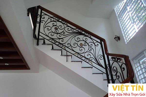 mẫu 19 cầu thang sắt mỹ thuật đẹp