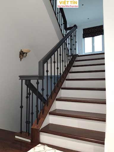 mẫu 5 cầu thang sắt mỹ thuật đẹp